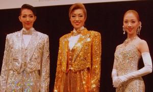制作発表に出席した紅ゆずる、北翔海莉、妃海風(写真左から)