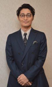 1973年12月生まれ。大泉洋らと作る演劇ユニット「TEAM NACS」メンバー。(写真は7月神戸市内で)