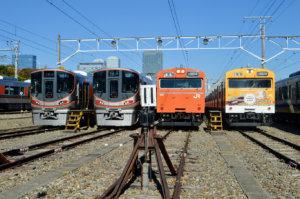 一般公開に合わせて顔をそろえた大阪環状線の新旧車両