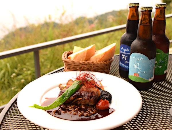 メイン料理と地ビール