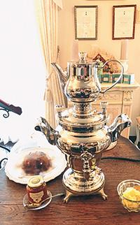 ロシアの伝統的な湯沸かし器サモワール
