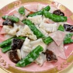 旬の食材を使った簡単料理レシピ<br/>「スナップエンドウとイカのミルク炒め」
