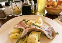 ニシンのマリネに豚の血のソーセージ、本場パリの味【Café de l'Industrie】【Au petit panisse】フランス・パリ