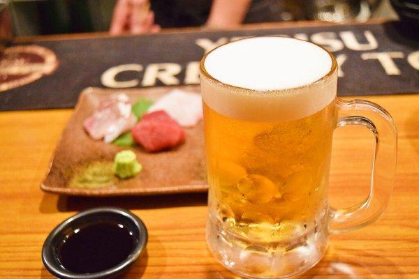 生ビールと造り盛り合わせ