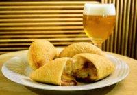 包み揚げピザとスパークリングワインが絶妙【Fullari】神戸市・元町