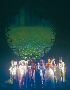 幻想的な「森は生きている」の1シーン