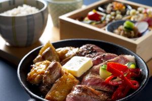 純鶏名古屋コーチンと国産牛サーロインの鉄板焼