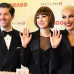 米倉涼子 主演ミュージカル「シカゴ」<br />凱旋公演が大阪からスタート 誕生日のサプライズに気合十分