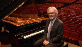 世界が注目「ファツィオリ」のピアノ フェニーチェ堺に登場創業者ファツィオリ氏も来日 美しい音色が自由都市に新たなページ