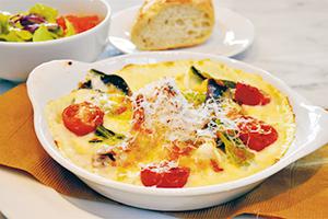 海の幸も味わえる洋食料理を提供する「NEO」