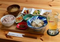 Onのランニングシューズがあるカフェで徳之島の野菜と黒糖焼酎【iro-hanaかふぇ食堂】神戸・三宮