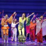 変わらぬ爽快感で 停滞ムードもどこ吹く風 劇団四季「マンマ・ミーア!」京都劇場で公演中